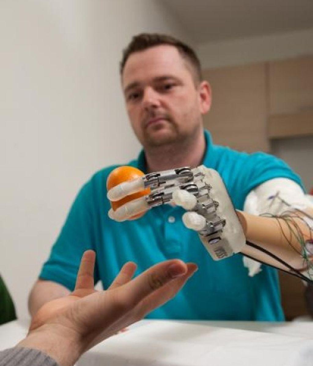 mano biónica, táctil, prótesis de mano