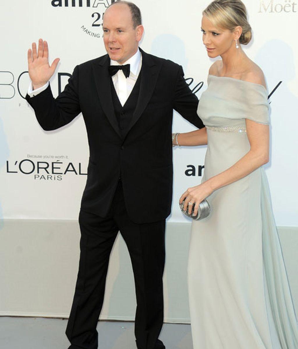 Nobles, ex nobles y actores, en la fiesta solidaria de Cannes