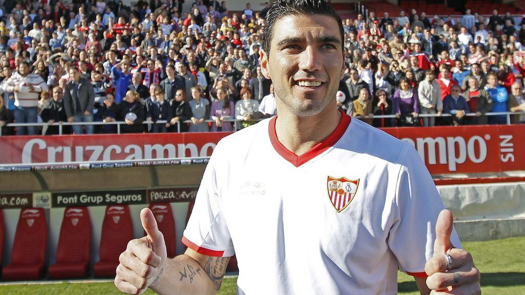El jugador del Sevilla, José Antonio Reyes, en su presentación