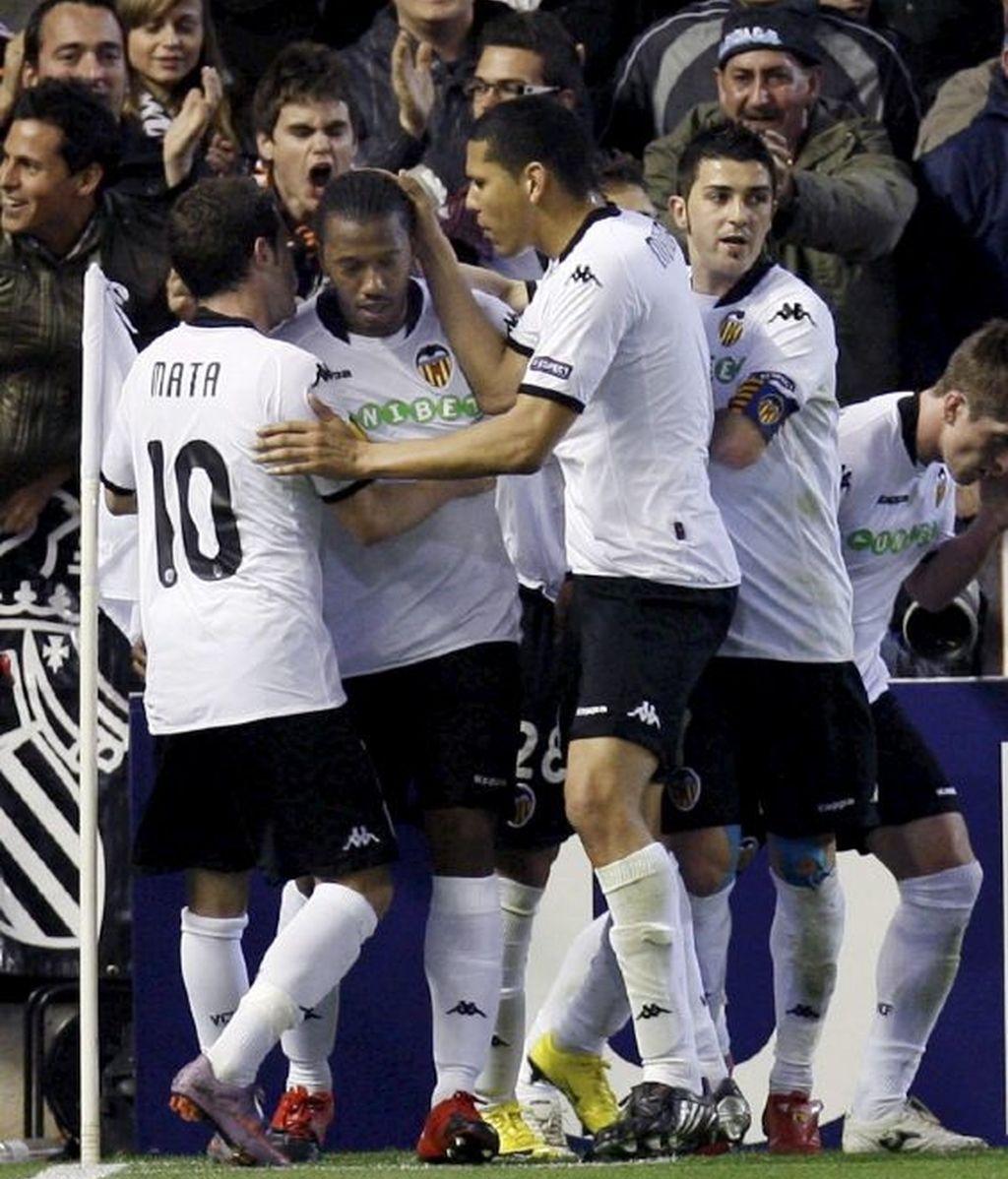 El Valencia celebra su primer gol