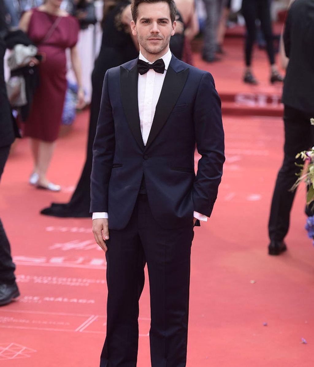 Marc Clotet con traje y pajarita negra