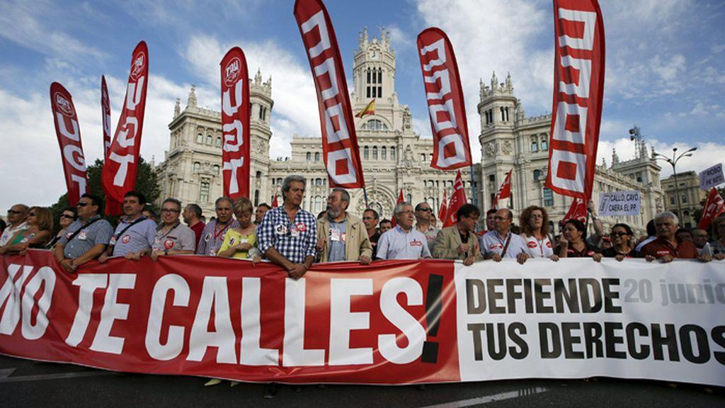 Manifestación convocada por los sindicatos contra los recortes sociales y la reforma laboral en Madrid