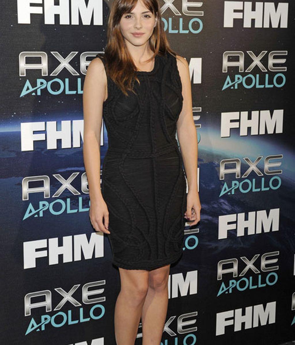 Andrea Duro eligió un vestido negro