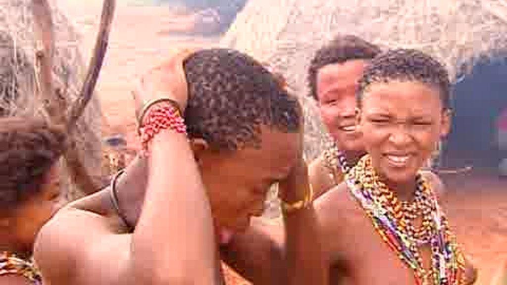 IMÁGENES INÉDITAS: La Macarena llega al desierto del Kalahari