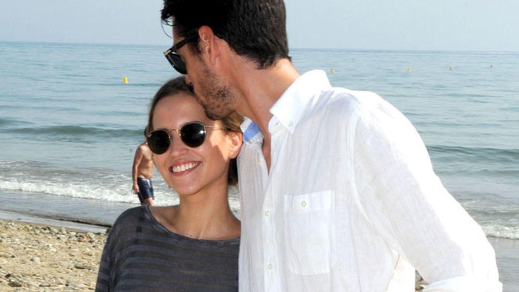 Ana Fernández y Santi Trancho se divierten en Marbella