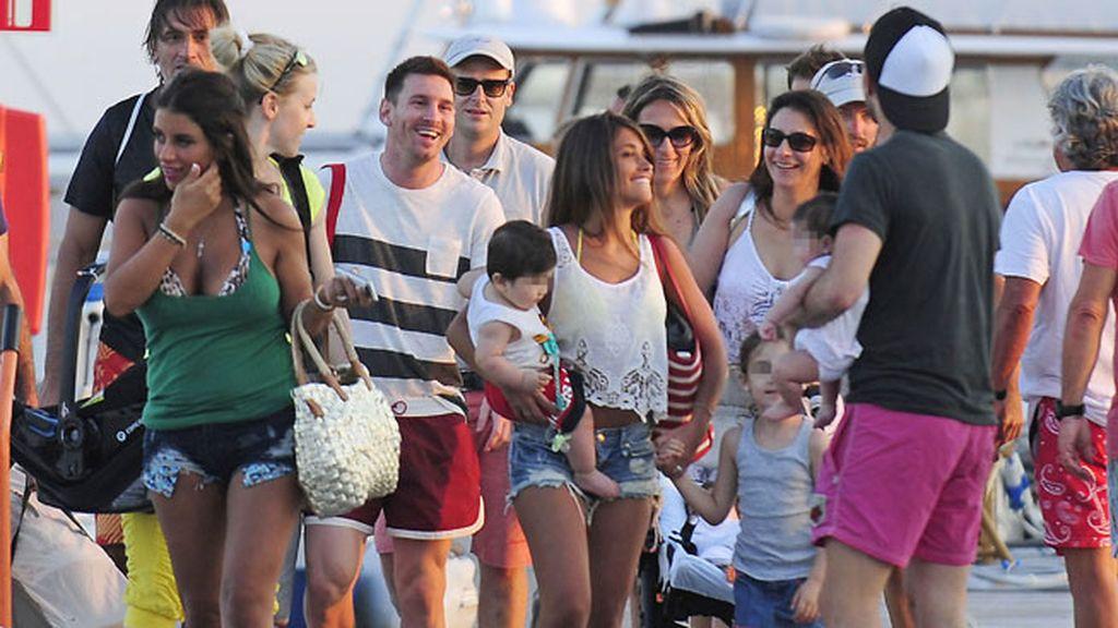 Messi, Fábregas y sus familias se divierten juntos en ibiza