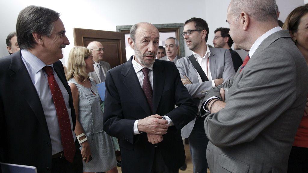 Rubalcaba elogia la decisión de Susana Díaz
