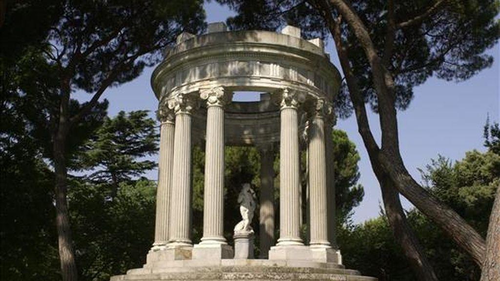 """Construcción diseñada por el británico Clifford en 1856 y emplazada dentro del parque """"El Capricho"""" de Madrid. EFE/Archivo"""