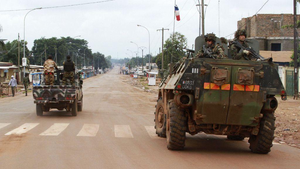 Las fuerzas francesas comienzan a desplegarse fuera de Bangui