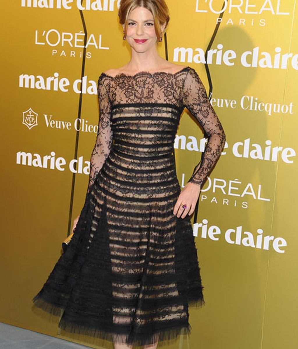 Manuela Velasco, muy favorecida con un vestido de Óscar de la Renta