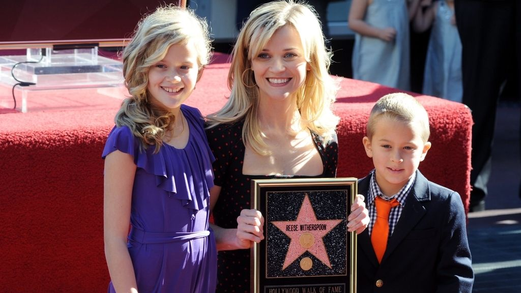 Reese Witherspoon y sus dos hijos