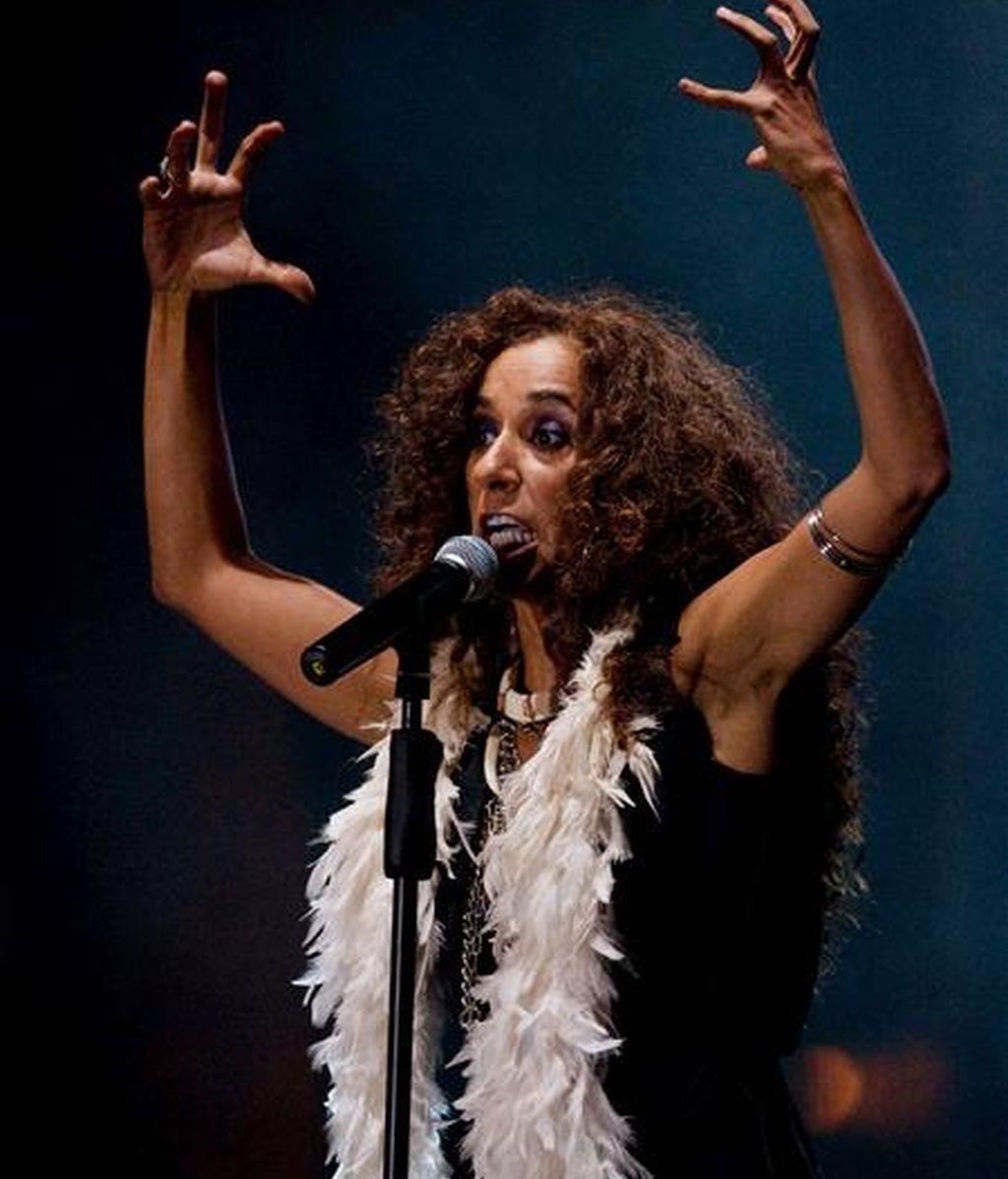 La cantante española Rosario se presenta durante el concierto de clausura del Tercer Congreso Iberoamericano de Cultura en Medellín (Colombia). EFE
