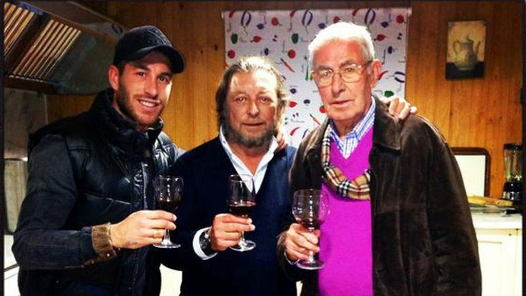 Ramos no repite el 'Morry Crisma' pero nos desea un buen comienzo de año