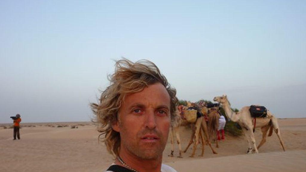 Jesús Calleja durante la travesía por las dunas de Wahiba