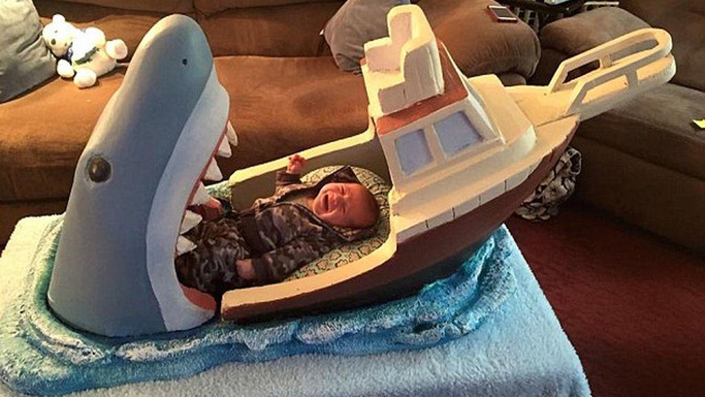 La mandíbula de un tiburón, cuna de un bebé