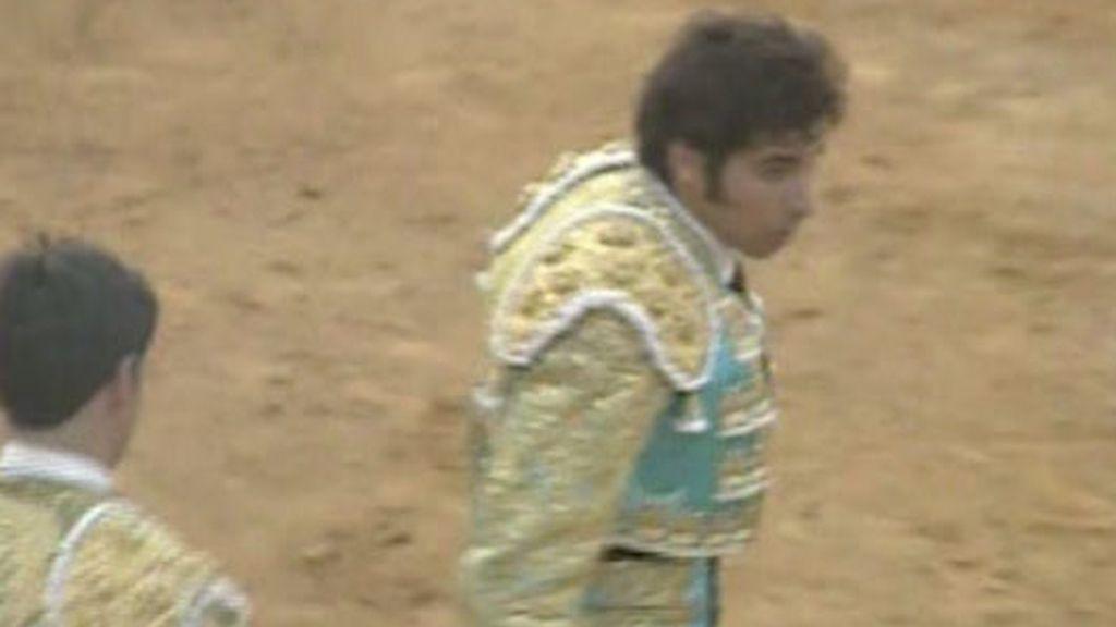 Cayetano Rivera sufre una grave cogida