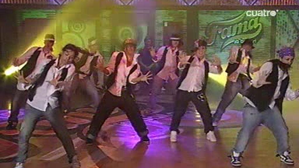 La coreografía más masculina de las chicas