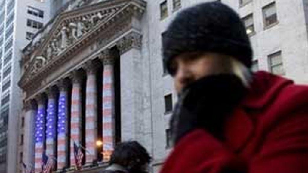 Los economistas prevén que en el tercer trimestre la contracción de la economía en EEUU será del 6 %. Foto: AP.