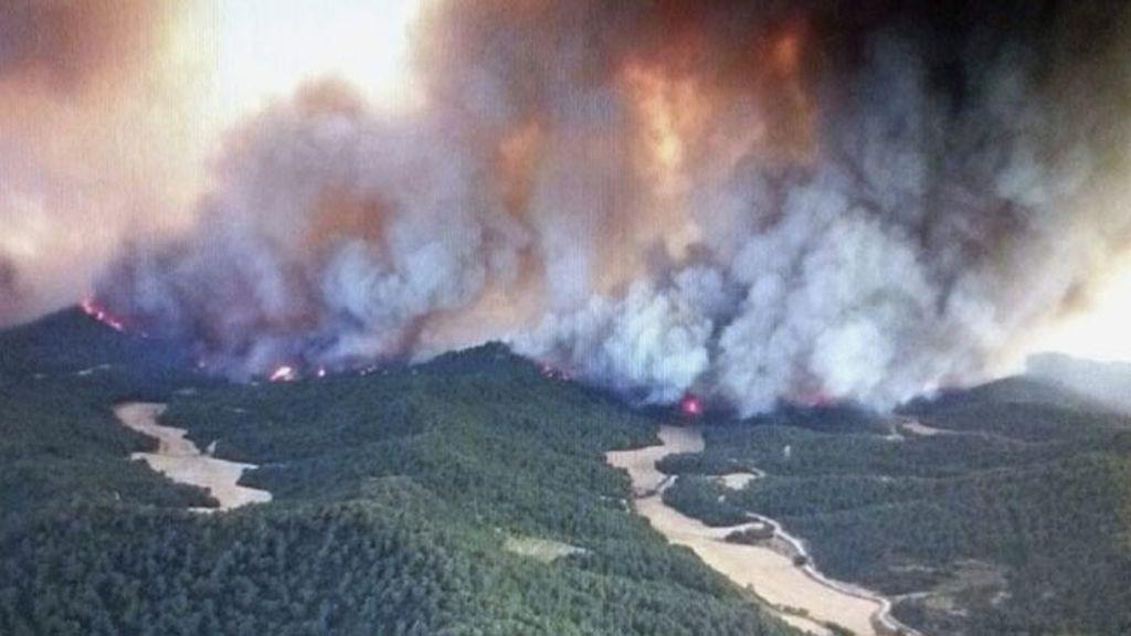 Unos 53 efectivos y 22 vehículos de la UME se desplazan a Zaragoza para intervenir en el incendio forestal