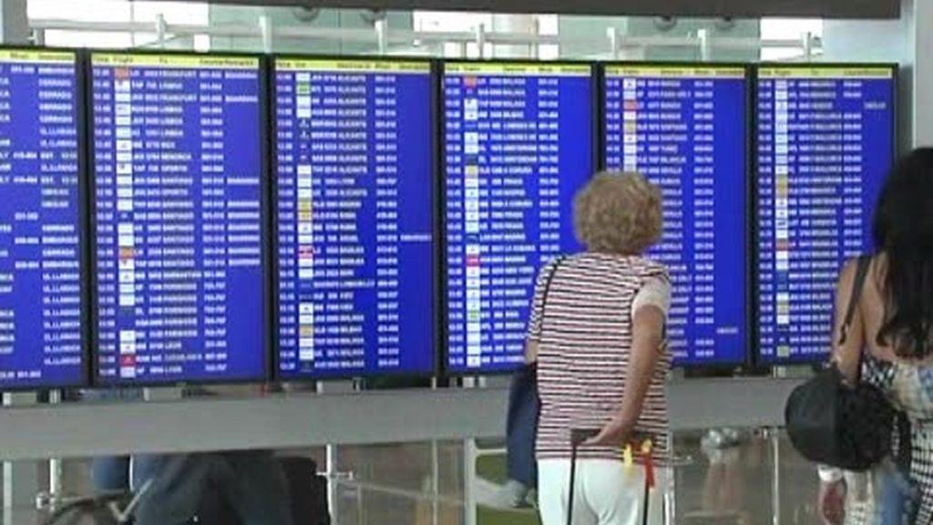 Siguen los retrasos en los aeropuertos