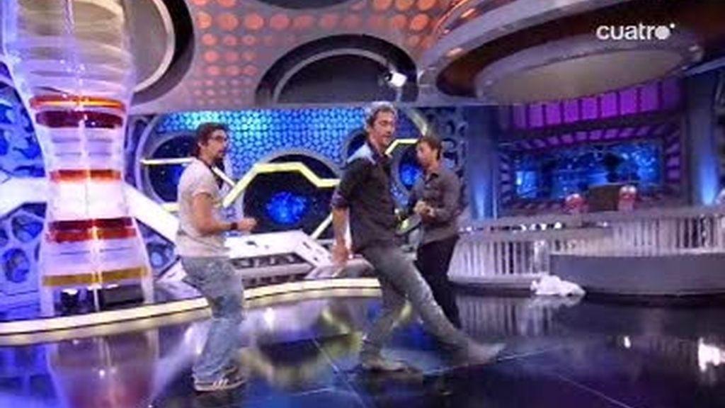 Marron baila con Paco Leon el Suki-suki