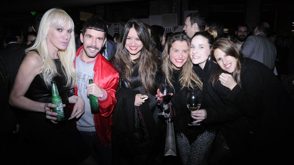 Topacio Fresh, Pedriño y las chicas de la revista HSM Macarena Escrivá, Cristina Gámez, Frida Munción y Rebeca Martín