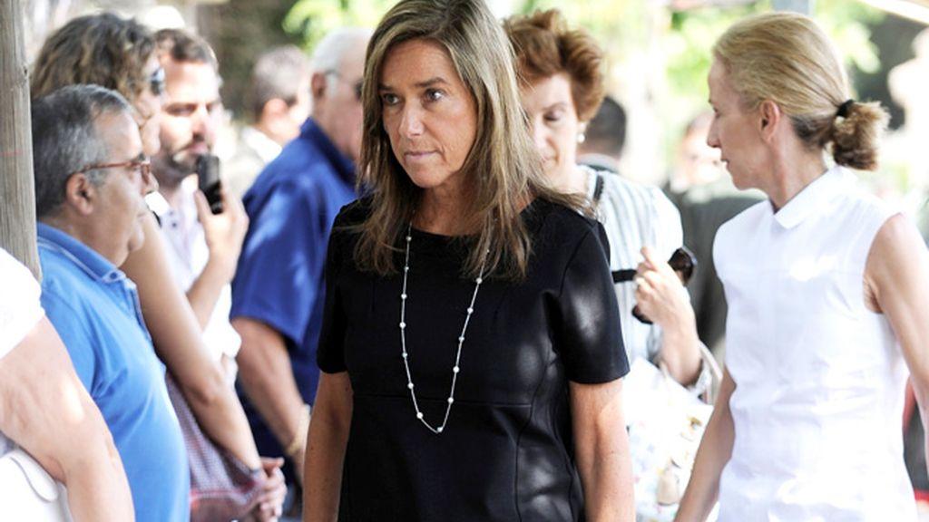 Ana Mato, de luto riguroso