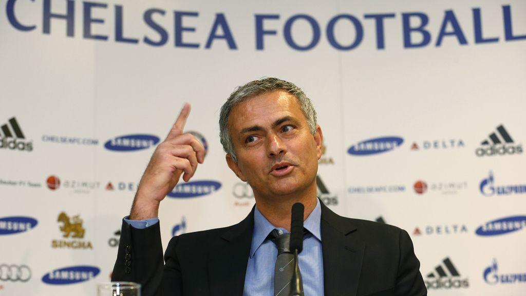 José Mourinho en una rueda de prensa en el estadio Stamford Bridge de Londres