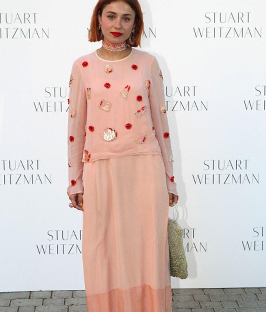 Jersey de patchwork, falda larga y 'total pink' para Miranda Makaroff