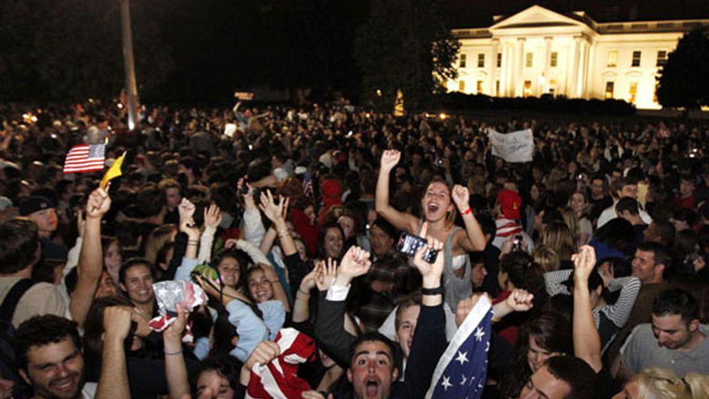 Miles de personas celebran la muerte de Bin Laden