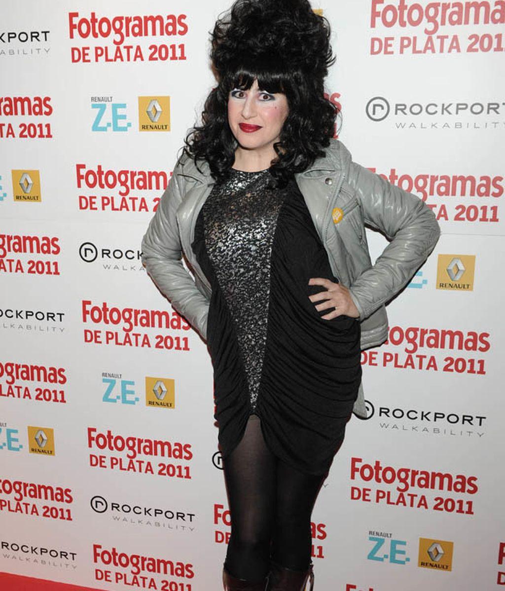 Elena Anaya enseñando hombros en la gala Fotogramas...