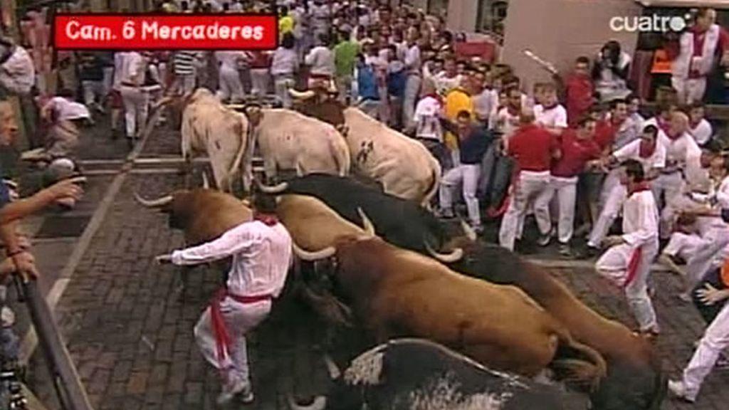 San Fermín echó dos capotes en la curva de Mercaderes