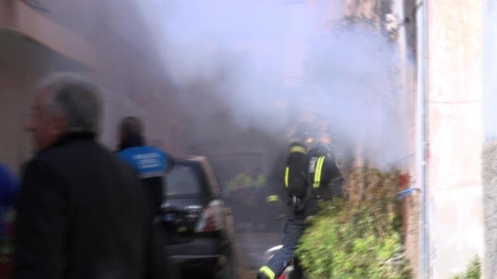 Mueren tres miembros de una familia atrapados en el incendio de una vivienda en Murcia