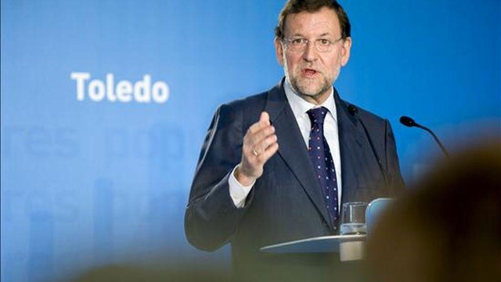 El presidente del Partido Popular, Mariano Rajoy, durante su intervención en un acto de entrega de carnés a afiliados en Toledo. EFE