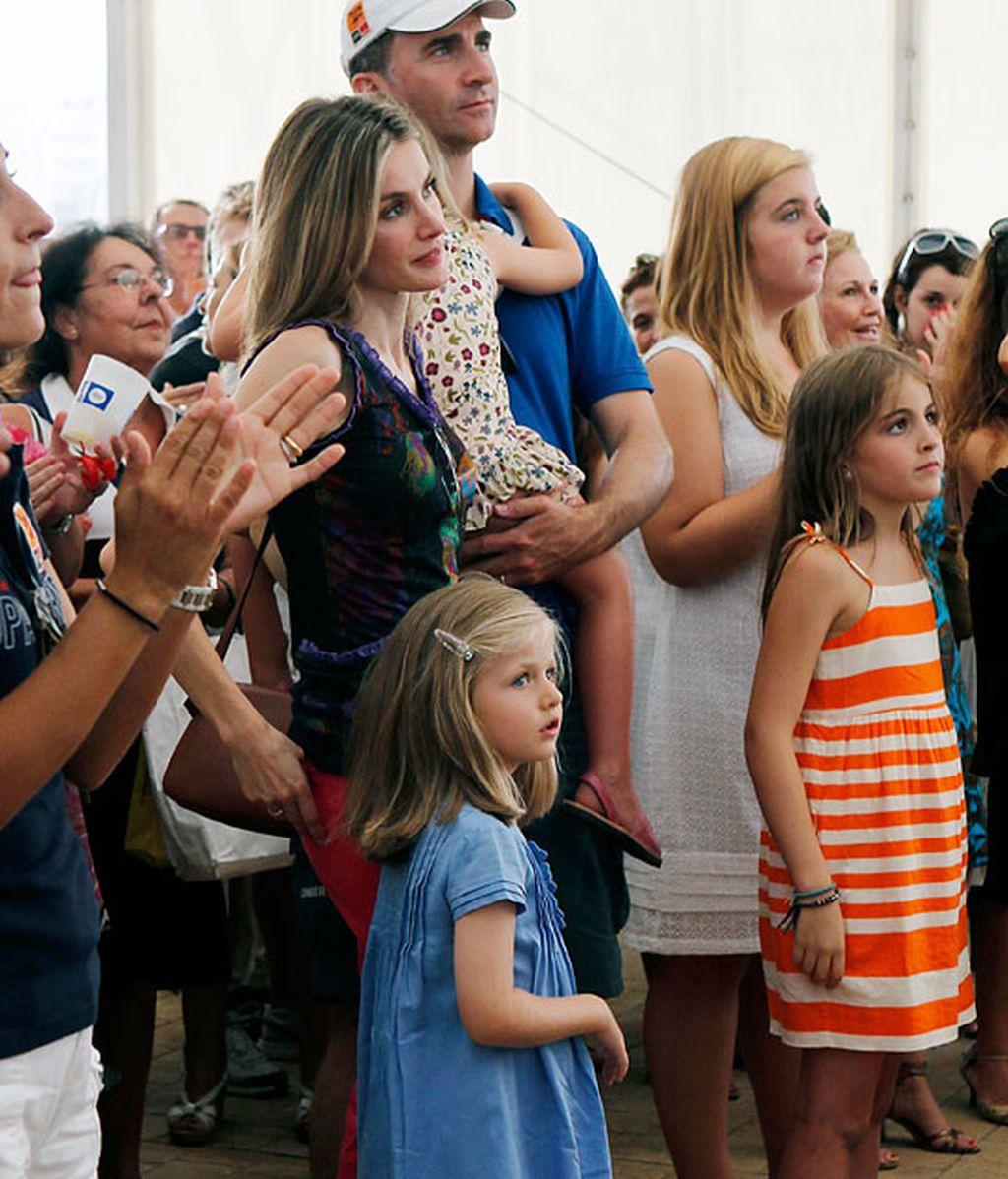 Letizia pone el toque de color en el concierto de Anglada