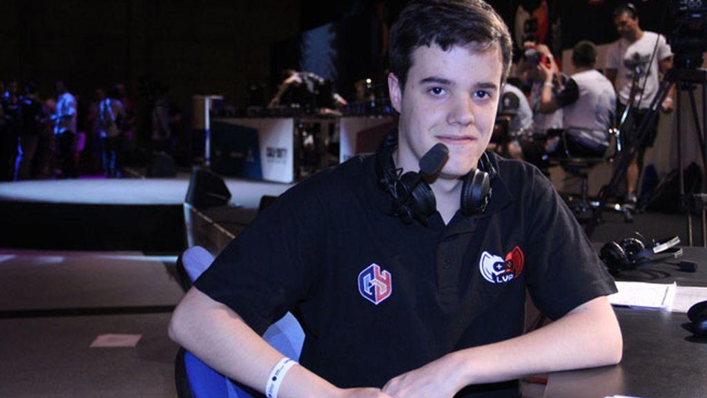 Óscar Sola, comentarista de Call of Duty