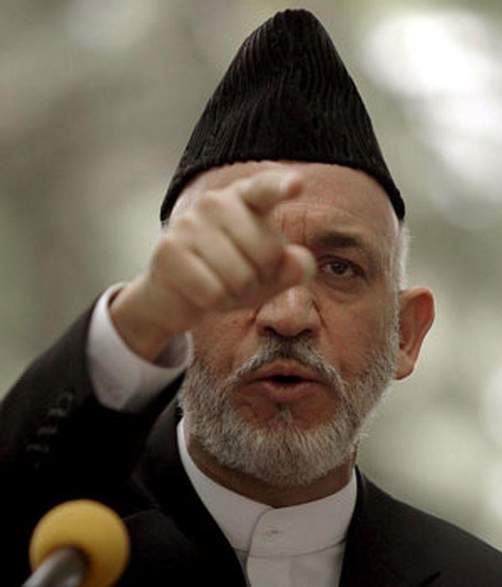 """Karzai ha defendido el """"derecho"""" de su país a actuar en defensa propia, advirtió directamente al integrista Baitulah Mehsud de que """"iremos por él"""" y """"atacaremos su residencia."""