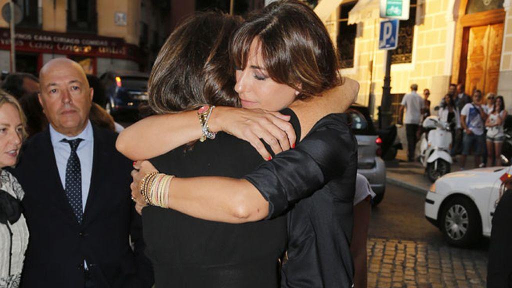 Mariló Montero se fundió en un abrazo con la periodista