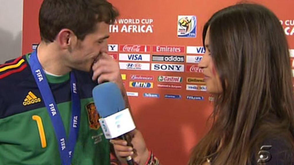 El beso de Iker a Sara, de campeonato