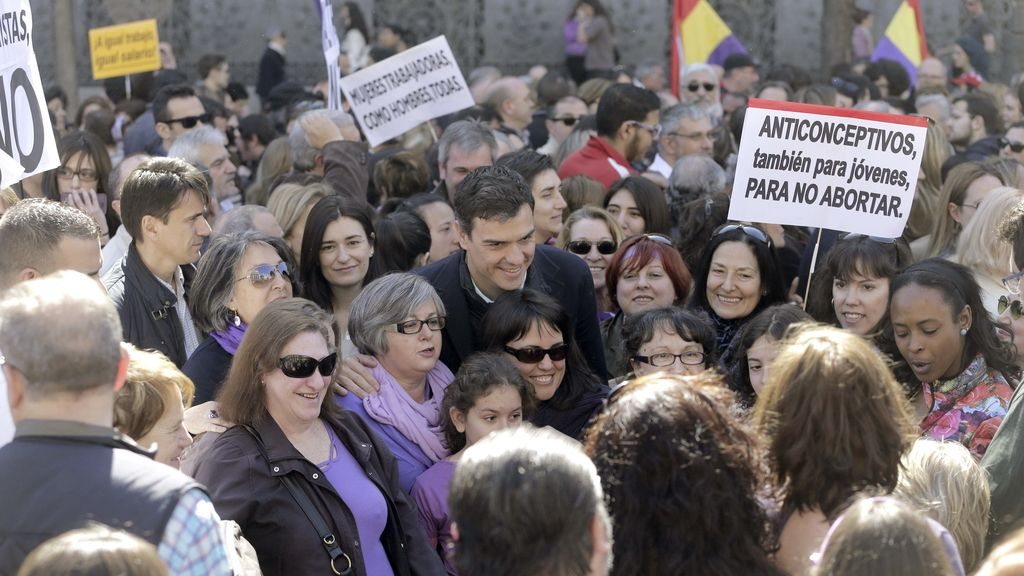 Sánchez en la marcha por el Día de la Mujer