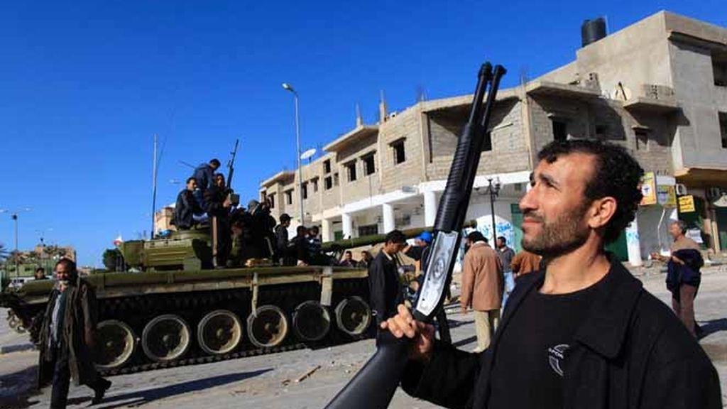 La oposición libia se arma en Zauiya