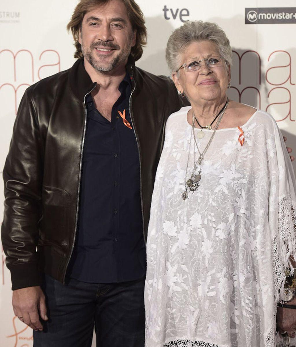 Javier Bardem acudió junto a su madre, Pilar