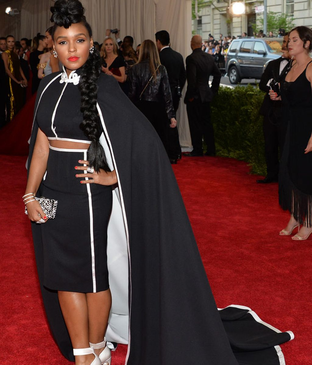 Janelle Monae con un vestido de H & M customizado