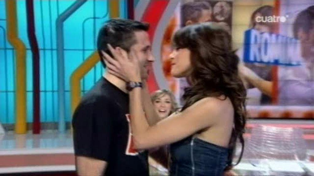 El 'besaco' de Romina y Valdi