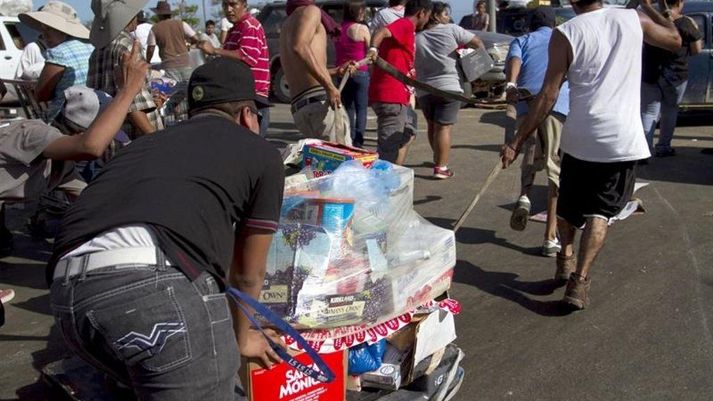 Comienzan los saqueos tras el paso del huracán Odile en México