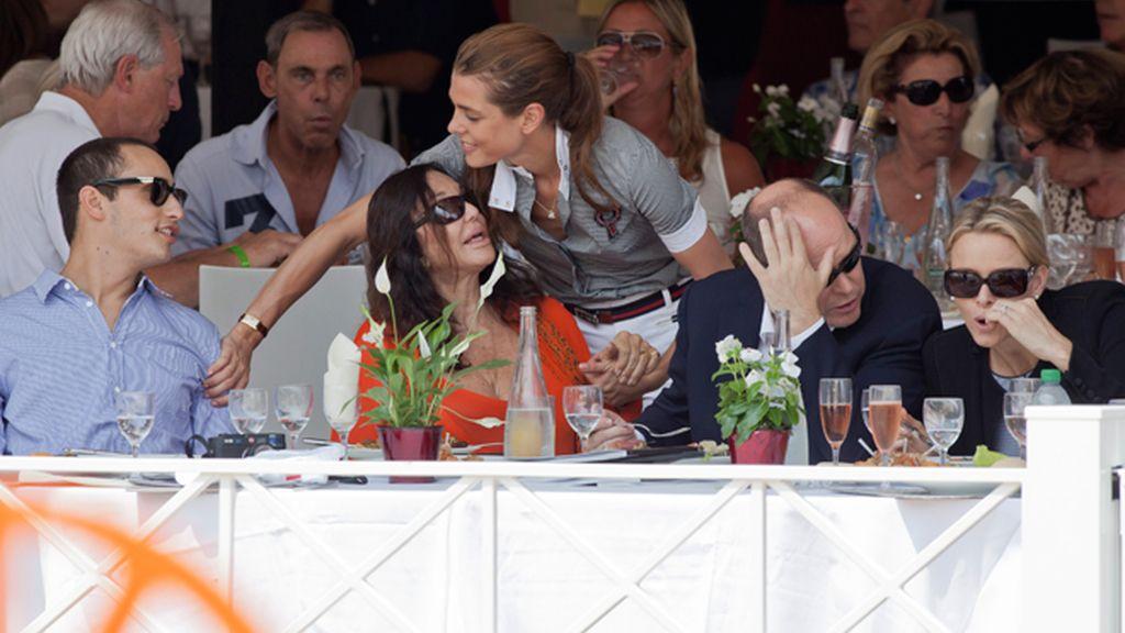 Los de Mónaco hacen una versión 'casual' del banquete nupcial