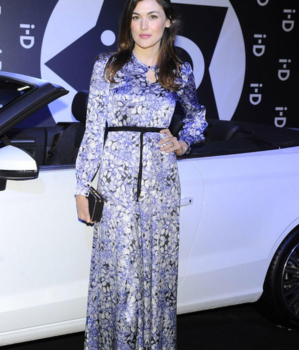 La actriz Marta Nieto con un 'look' muy floreado