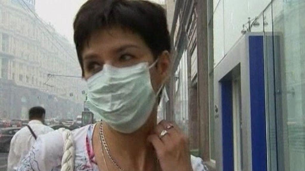 Moscú: humo y mascarillas