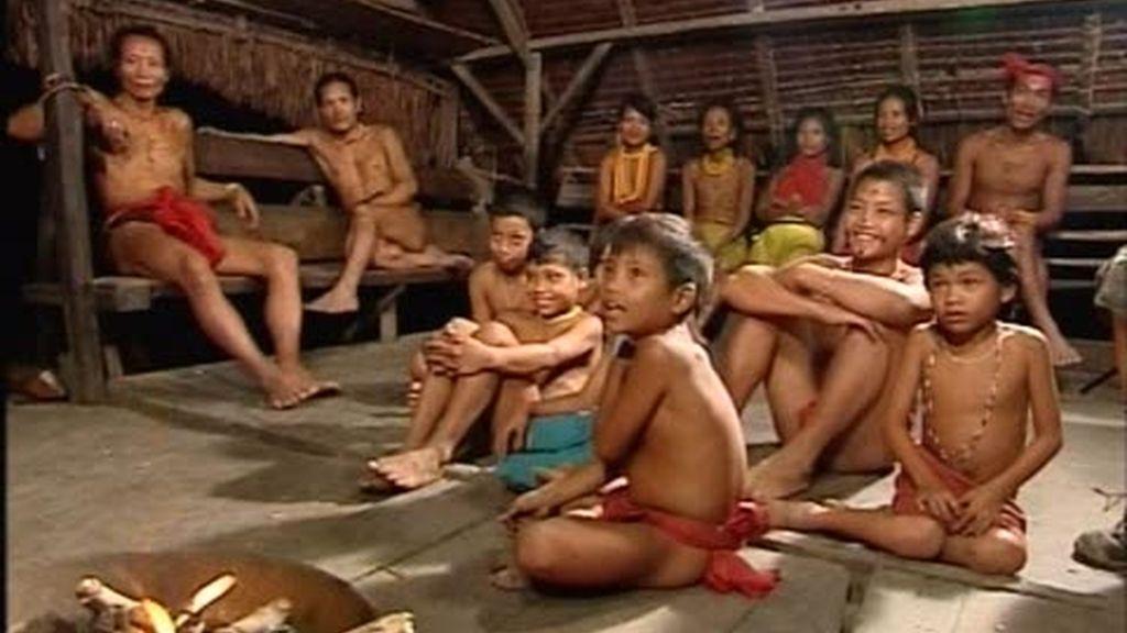El cuento de Sonia a los niños mentawa