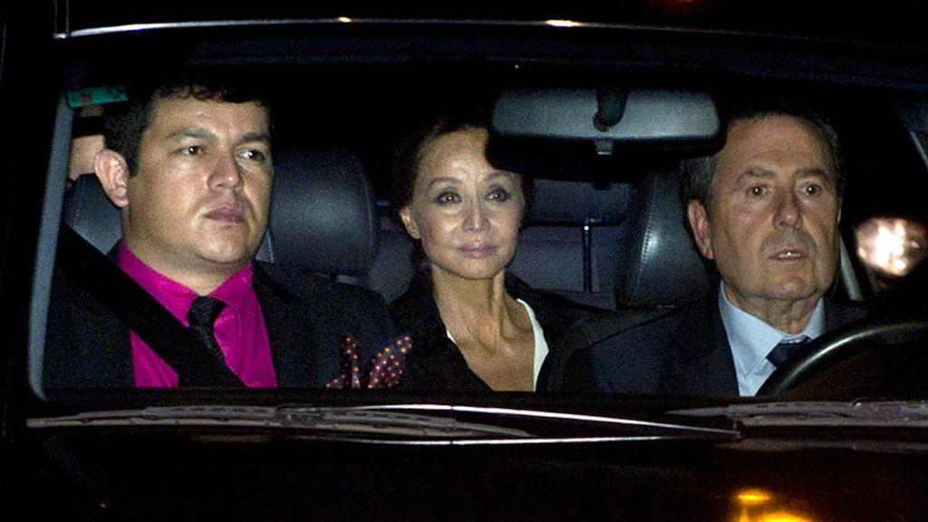 Isabel Preysler llega a la boda de su hijo Julio